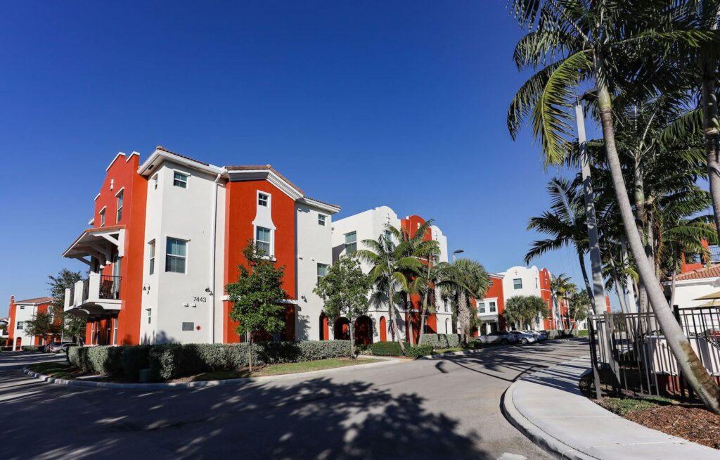 Davie FL-Mid-Florida Metal Roof Contractors of Pembroke Pines